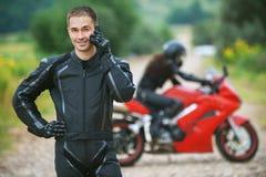 Młody męski motocyklista fotografia royalty free