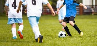 Młody Młodzieżowy Futbolowy dopasowanie obrazy stock