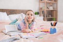 Młody nastolatek dziewczyny samotnie dzieciństwo w domu Obraz Stock