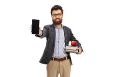 Młody nauczyciel pokazuje telefon obraz stock