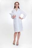 Młody piękny doctorin w białym medicinska żakiecie fotografia stock