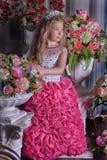 Młody princess wśród kwiatów Zdjęcia Royalty Free