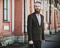 Młody przystojny atrakcyjny brodaty wzorcowy mężczyzna Fotografia Stock