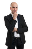 Młody przystojny mężczyzna w czarnym kostiumu zdjęcie royalty free