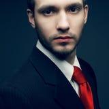 Młody przystojny mężczyzna w czerni (biznesmen) Obraz Stock