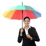 Młody szczęśliwy bizneswoman trzyma parasol Fotografia Royalty Free