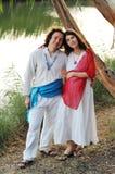 Młody szczęśliwy kobieta w ciąży & jej mąż obraz stock