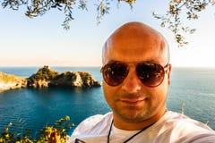 Młody turystyczny selfie na Amalfi wybrzeżu fotografia stock