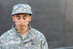 Młody wojsko żołnierza płaczu zakończenie up Obrazy Royalty Free