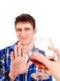 Młodych Człowieków odmówić alkohol Zdjęcia Royalty Free