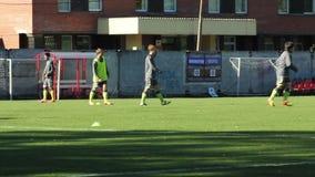 Młodych graczów piłki nożnej rozgrzewkowy up zbiory