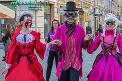 Młodzi aktorzy ubierający w okresów kostiumach Obrazy Royalty Free