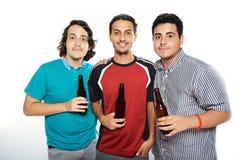 Młodzi faceci z piwem zdjęcie royalty free