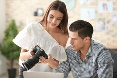 Młodzi fotografowie z kamerą Fotografia Royalty Free