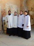 MŁODZI księża W EUPHRASIAN bazylice, POREC, CHORWACJA zdjęcie royalty free