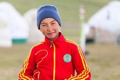 Młodzi Kyrgyz ludzie na Jeziornym Pieśniowym Kula Zdjęcia Royalty Free