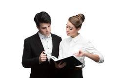 Młodzi ludzie biznesu ma dyskusję Fotografia Stock