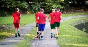 Młodzi męscy biegacze Fotografia Royalty Free