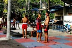 Młodzi Mao Tajlandzcy boksery w stażowej klasie zdjęcie royalty free