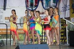 Młodzi piękni tancerze Obraz Royalty Free