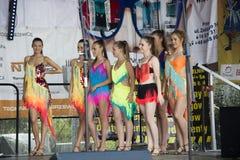 Młodzi piękni tancerze Zdjęcia Stock