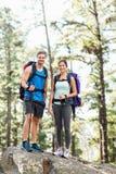 Młodzi szczęśliwi joggers patrzeje kamerę Obraz Royalty Free