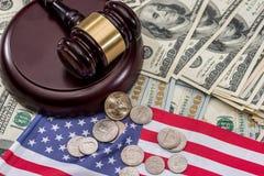 Młot sędzia dolar i USA zaznaczamy Zdjęcie Royalty Free