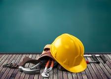 młoteczkowy ciężkiego kapeluszu narzędzi wyrwania kolor żółty Obrazy Royalty Free