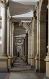 Młyńska kolumnada, Karlovy Zmienia; Republika Czech obraz stock