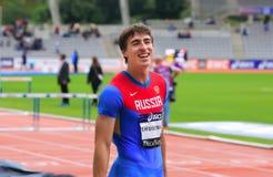 110 m的谢尔盖Shubenkov优胜者 在DecaNation的障碍在巴黎 免版税库存图片