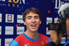 110 m的谢尔盖Shubenkov优胜者 障碍 库存照片