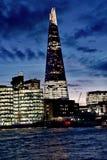 306m角度是楼房建筑铕hdr地标伦敦新的scrapper碎片射击天空细微的最高的下面宽意志 现代大厦-伦敦 免版税图库摄影