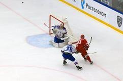 M Afinogenov ( 61) attack Arkivfoto