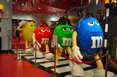 M&M che cammina come il Beatles Fotografie Stock