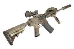 M4 avec les forces spéciales de dispositif antiparasite fusillent d'isolement sur un fond blanc Image stock
