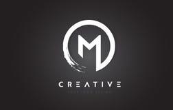 M Circular Letter Logo avec la conception et le noir Backgr de brosse de cercle Photos libres de droits