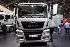 MĘŻCZYZNA TGS 18 420 ciężarówka Zdjęcia Royalty Free