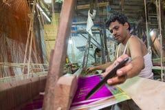 M.D. Joshim 30 jaar een arbeider van Benarashi Palli Stock Foto