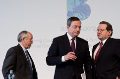 M. Fernández Ordóñez, M. Draghi and V. C. Miguel Fernández Ordóñez, Mario Draghi and Vítor Constâncio at the press conference following Stock Photo