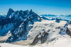 810 m (15 france - turistas que escalam u Imagens de Stock
