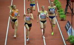 400m kvinnor som kvalificerar loppet Royaltyfri Foto