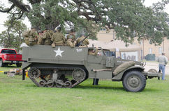 M3 ślad w dziejowym reenactment WWII Obraz Royalty Free