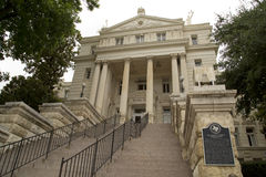 M'LCNNAN TX的市政厅 免版税库存照片