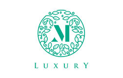 M Letter Logo Luxury Logo de cosmétiques de beauté Photos libres de droits