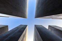 000 0 2 38m 4 19 711 8m 95m安排了柏林混凝土包括宽变化的包括的域德国网格高度浩劫长的m纪念米模式站点平板倾斜的方形stelae 图库摄影