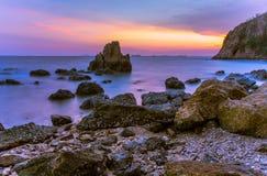 M?me la mer sur le ciel bleu photographie stock