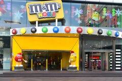 M&MS värld i Shanghai Arkivfoto