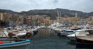 Mônaco - arquitetura da cidade e porto imagem de stock royalty free