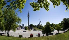 M nchen för parkstadionen för olympia det olympic tornet Royaltyfria Bilder