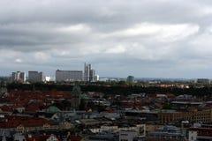 M?nchen-Skyline lizenzfreie stockfotos
